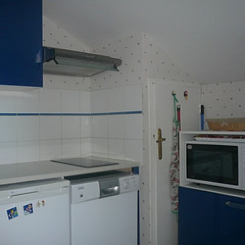 APPARTEMENT DANS RESIDENCE BOTTEON