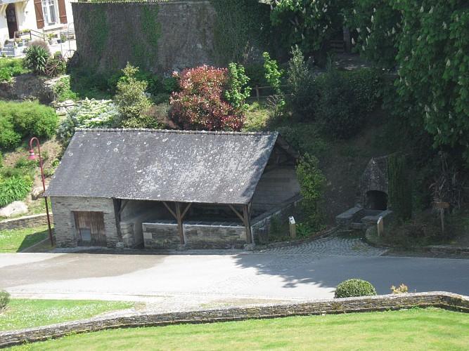 Fontaine et Lavoir de Saint-Hernin