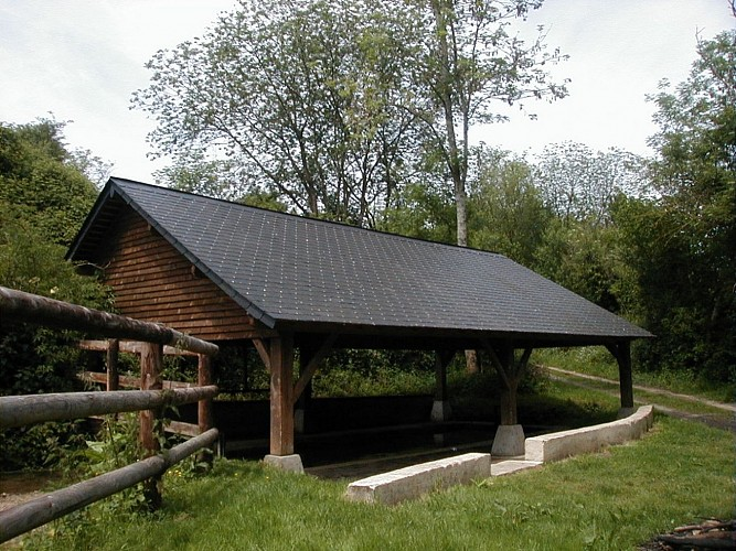 Source Saint Laurent et son lavoir