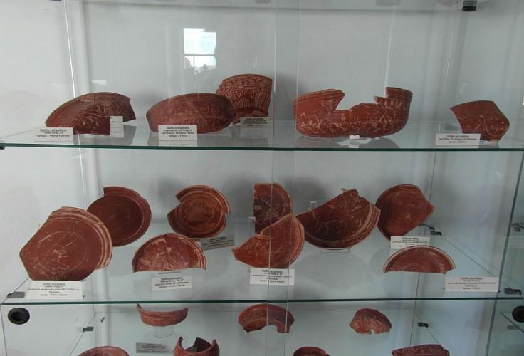 Musée du Camp Romain Usakoa - Poteries - Saint Jean le Vieux