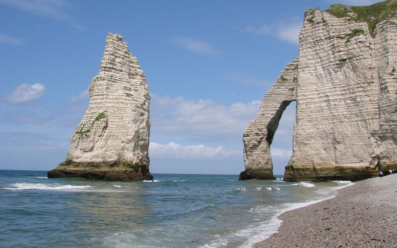 D-Day Tour: Normandy Landing Beaches & The American Cemetery – Hotel pick-up/drop-off