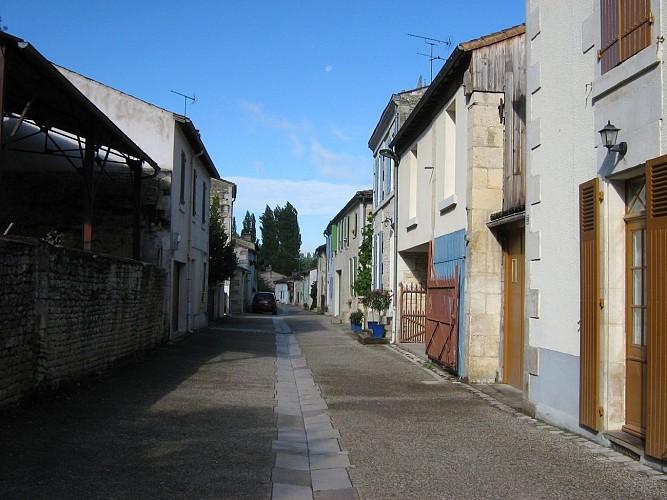 Sansais La Garette et son village rue