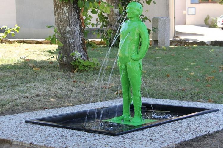 Petit bonhomme vert près de la Mairie