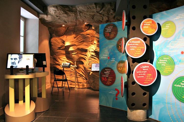 Espace muséographique de la Maison du Barétous - Borne interviews scientifiques