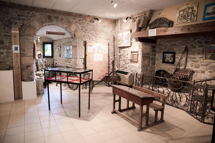 Visite-Rando-Patrimoine-Saint-Sernin-du-Bois-Franck-Juillot-CreusotMontceauTourisme--46b-