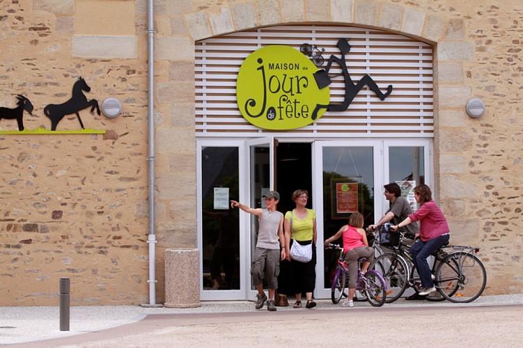 PCUCEN036FS0000D - Maison de Jour de Fête de Jacques Tati - 1