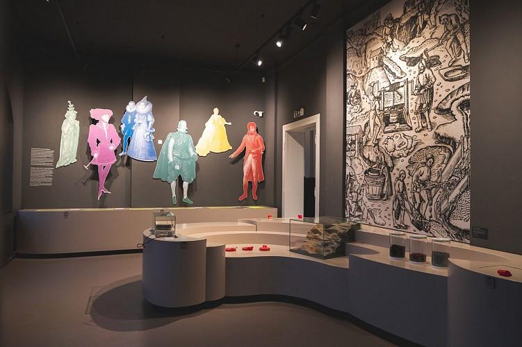 Musée Vieille Montagne - Kelmis - personnages en relief