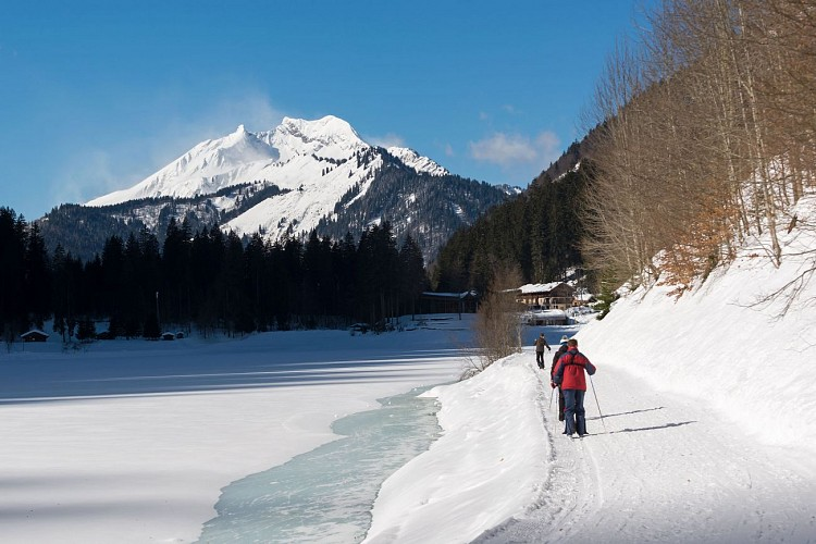 Montriond Lake route
