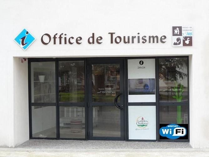 Départ de l'Office de Tourisme des Luys