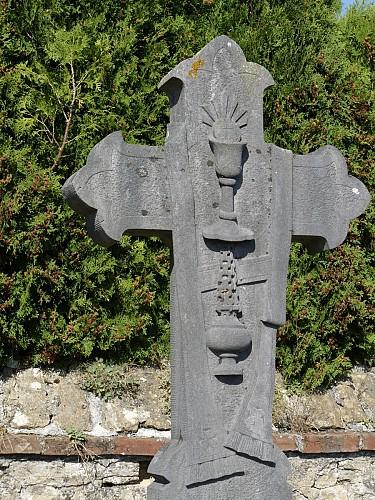 Sépultures historiques au cimetière d'Etalle