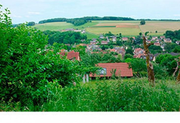 Le village de Givonne et la base de loisirs du Bannet