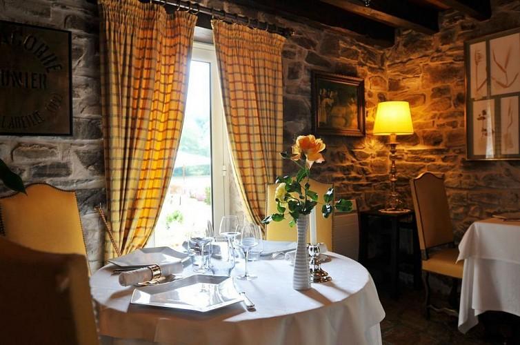Au Moulin de la Gorce Restaurant