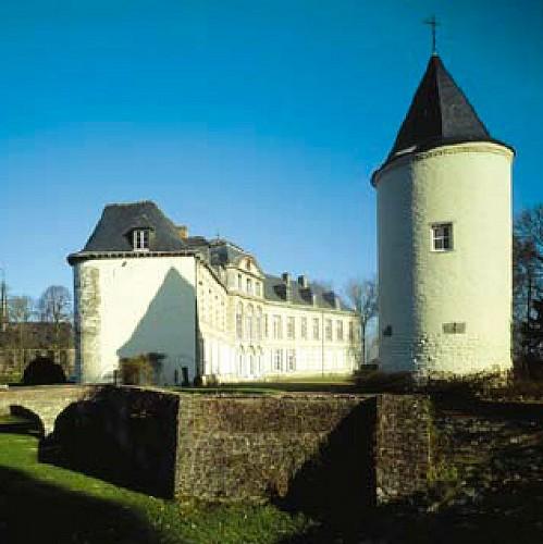 Das Schloss und die Kapelle des Heiligen Bluts