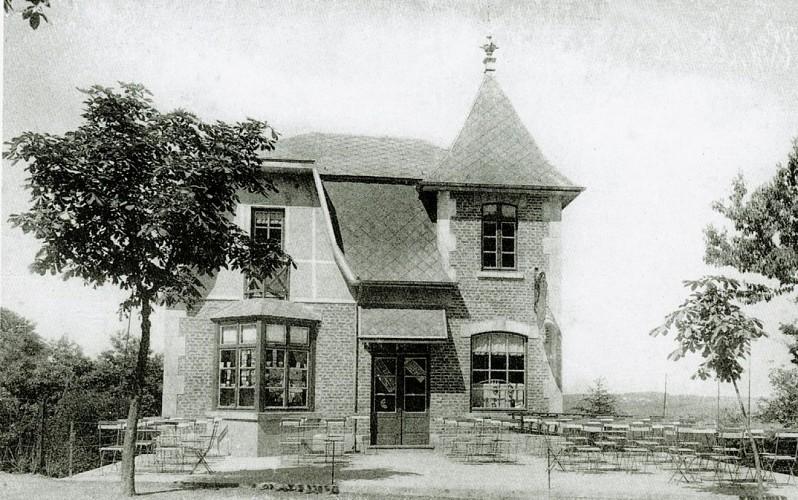 A l'Ombre de la Chapelle 1928