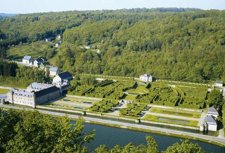 Le château de Freÿr et ses jardins