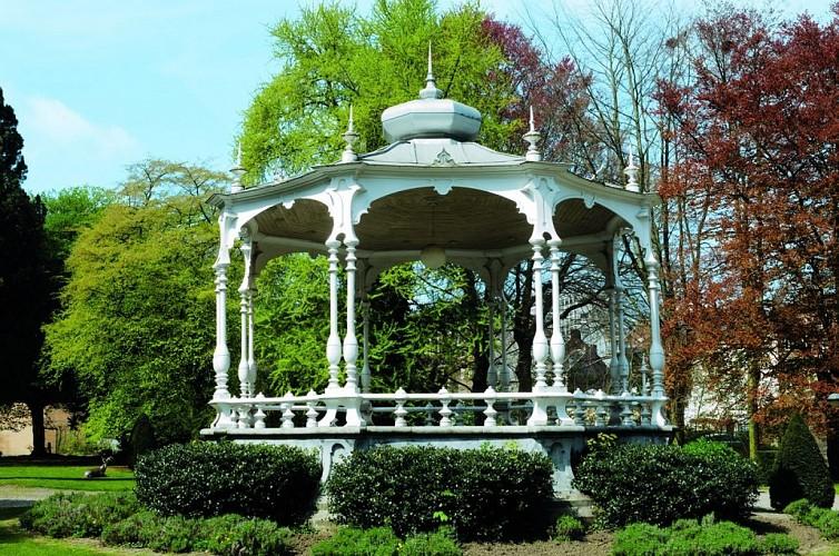 Le parc et le kiosque de l'Harmonie