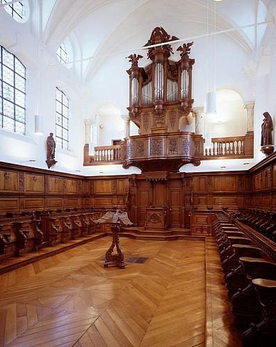 L'orgue « Le Picard » de l'église abbatiale des Bénédictines