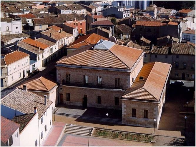 Edificio Patronato Martinez de la Mata- Ayuntamiento