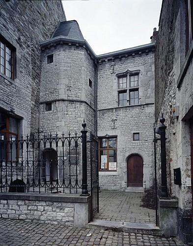 L'ancienne halle aux grains ou fondation Bolly-Charlier