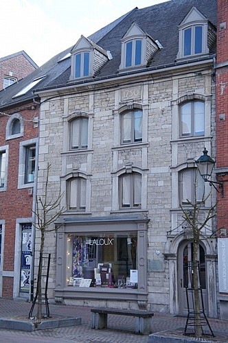 House, 3 rue du Commerce