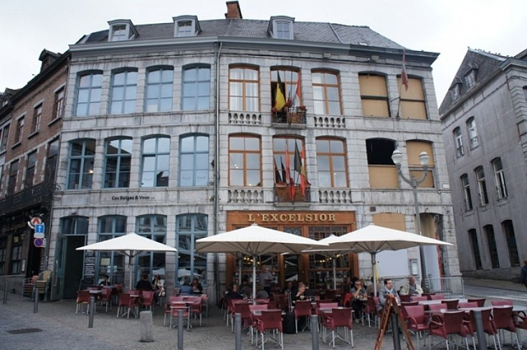 Immeubles, Grand-Place, 28-30