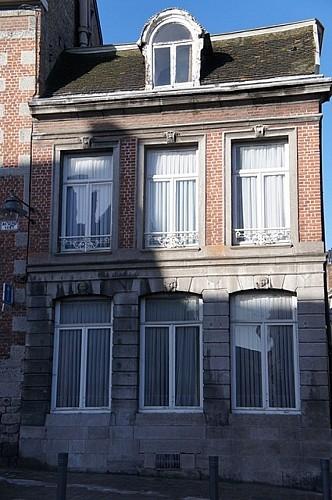 Immeuble, angle des rues des Quatre Fils Aymon et de Nimy, 43