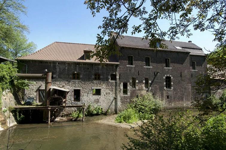 Le moulin de l'ancienne abbaye de Saint-Denis en Broqueroie