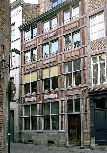 Immeuble, rue des Brasseurs, 135