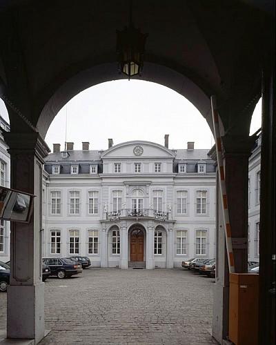 L'ancien évêché ou actuel Gouvernement provincial