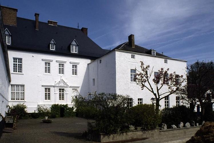 Le château-ferme de Loyers