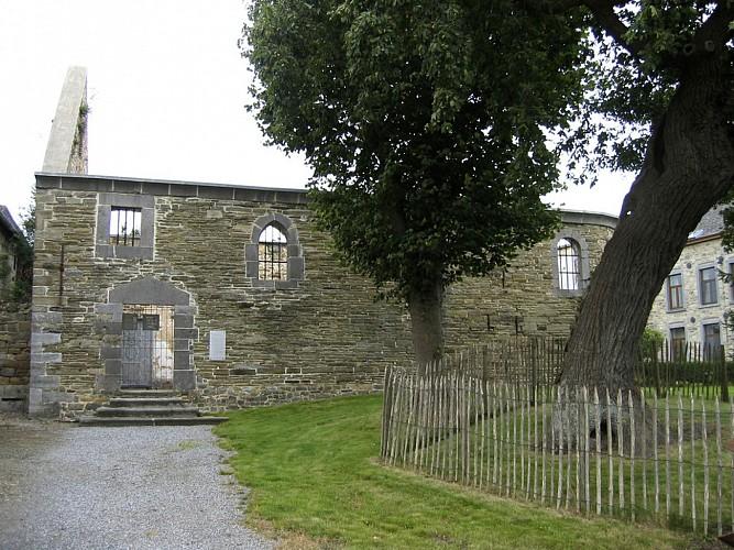 La ferme-château et la chapelle Sainte-Apolline de Wartet