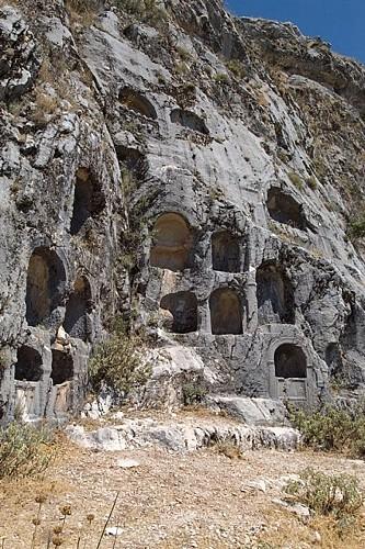 Les nécropole ouest et nord