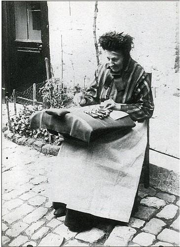 La dentelle, un artisanat qui débuta à Marche au XVIIe  siècle