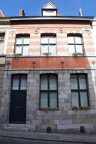 Immeuble, rue des Jésuites, 19