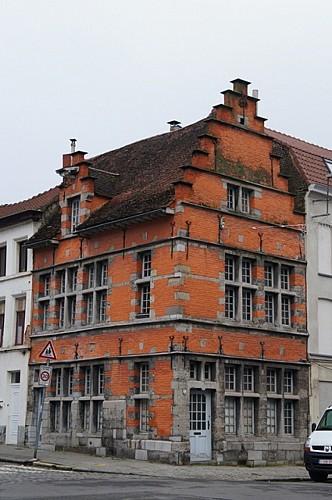 Immeuble, rue de la Madeleine, 2
