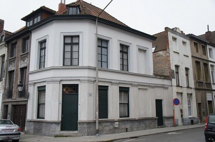 Immeuble, quai des Poissonsceaux, 2