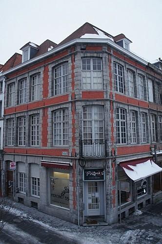 Immeuble, rue des Puits-l'Eau, 11