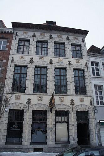 Immeuble, rue des Puits-l'Eau, 23