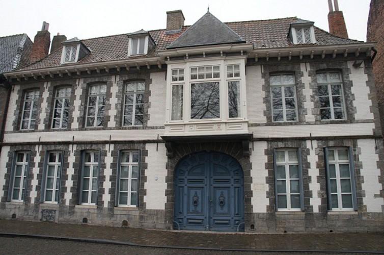 Immeuble, quai des Salines, 27