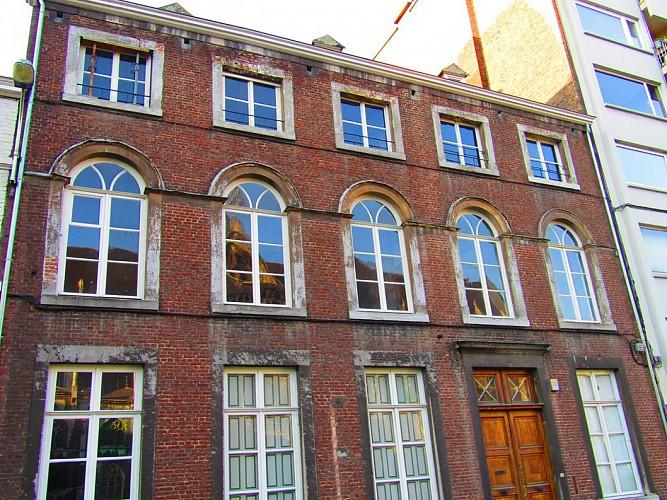 Immeuble de la place Émile Dupont, 10