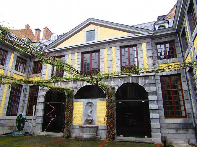 L'ancien hôtel de la Vaux des Brassine ou ancien hôtel Somzé