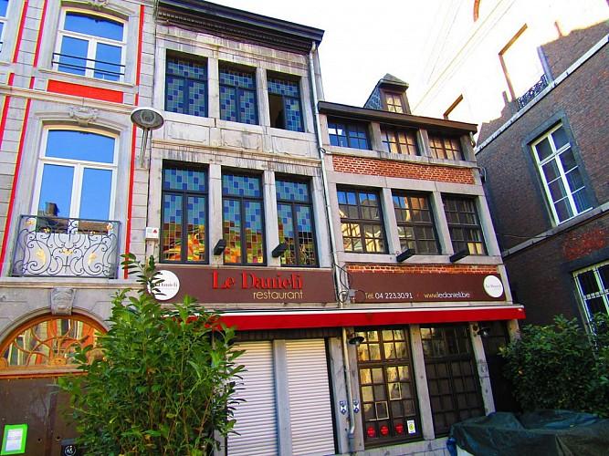 Immeuble, rue Hors-Château, 46
