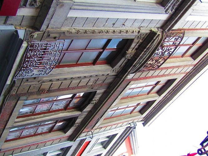 Immeuble, rue Souverain Pont, 24