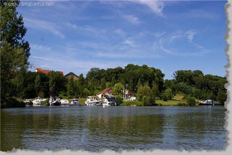 Le petit port de Fouchécourt