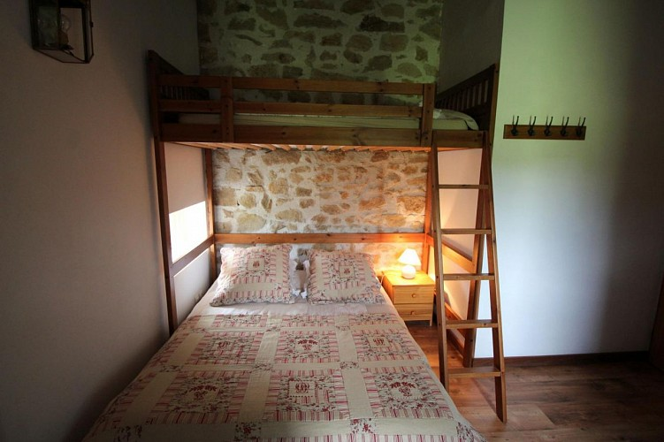 873440 - 5 people - 2 bedrooms - 3 'épis' (ears of corn) - Saint Symphorien sur Couze