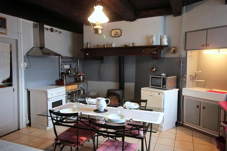 """877082 - 6 people - 3 bedrooms - 2 """"épis"""" - Champagnac La Rivière - fiche 2012"""
