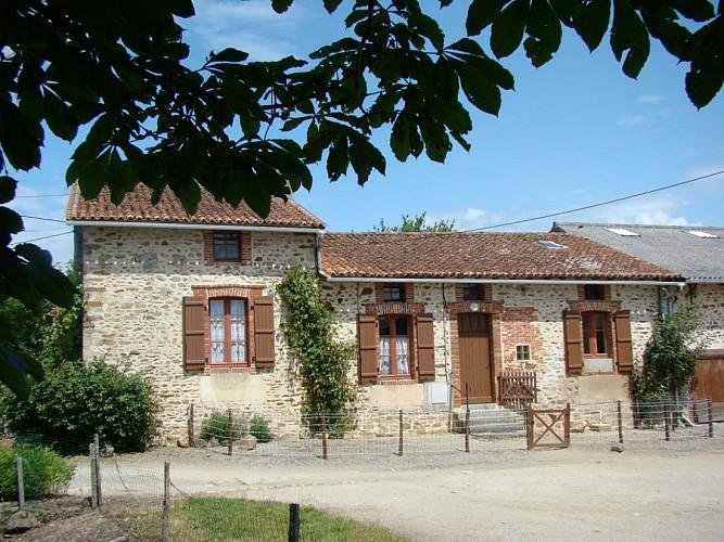 871351 - 7 pers - 3 ch - 2 épis - Saint Sornin la Marche
