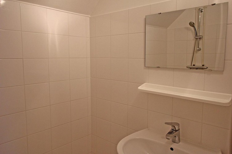 875533. 4-6 Personen 1 Schlafzimmer: + 1 Zwischengeschoss. Klassifizierung beantragt. Beaumont-du-Lac