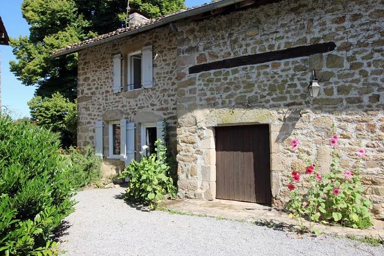 873144 - 4 people - 2 bedrooms - 3 'épis' (ears of corn) - Compreignac - fiche 2012