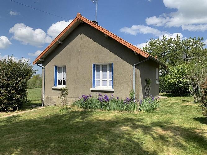 Location Gîtes de France - SAINT AGNANT DE VERSILLAT - 3 personnes - Réf : 23G543